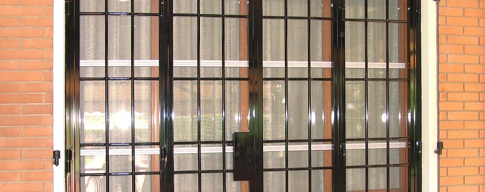 Bologna inferriate per finestre apribili o fisse cancelli di sicurezza e serrande per negozi - Porte finestre bologna ...