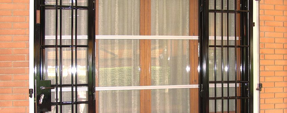Bologna inferriate per finestre apribili o fisse cancelli di sicurezza e serrande per negozi - Serrande elettriche per finestre ...